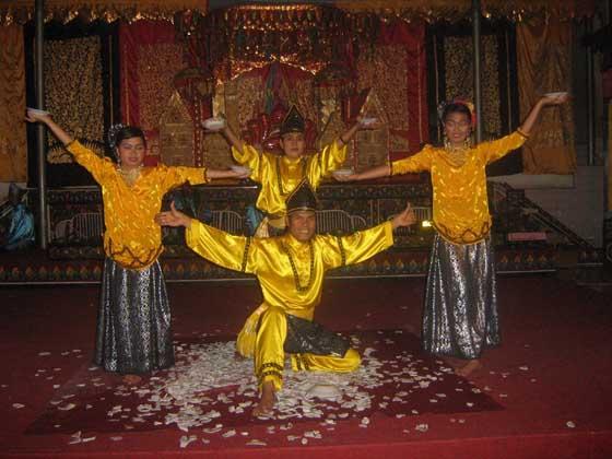 Traditional dance at Bukittinggi