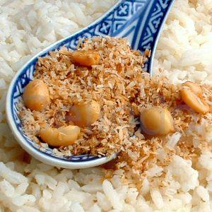 Recipe - Serundeng (seroendeng) - Crisp spiced coconut with peanuts