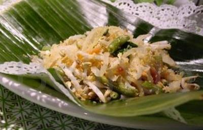 Recipe - Urap-urap sayur - Cooked vegetables with spiced grated coconut